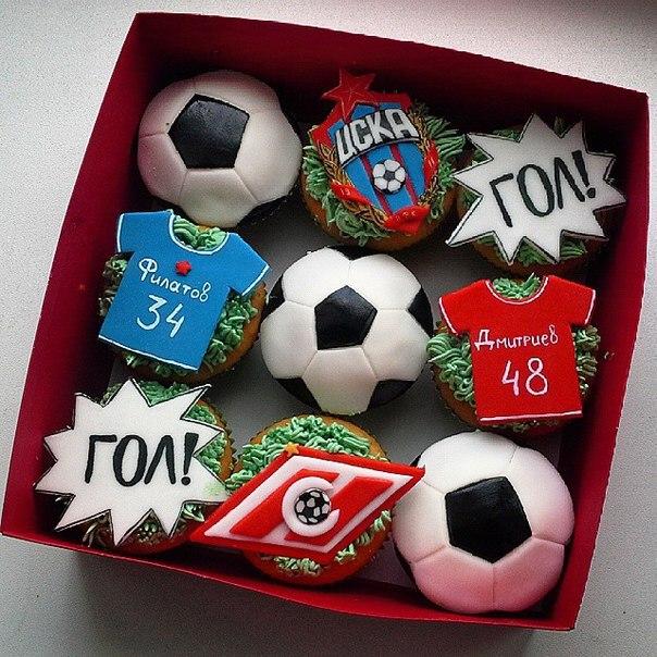 Что подарить футболисту на день рождения : выбираем подарок для спортсмена